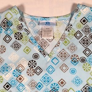 SB Scrubs Patterned Top with Pockets